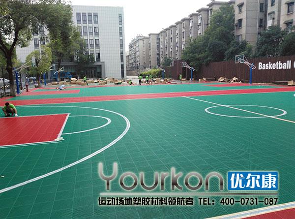 湖南电气职院拼装篮球场施工现场